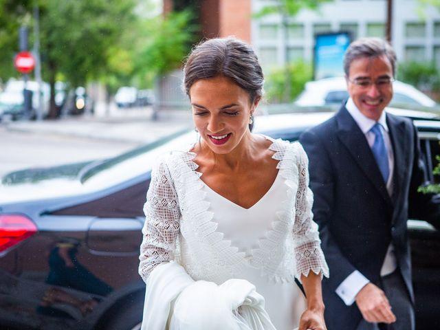 La boda de Borja y Irene en Torrelodones, Madrid 19