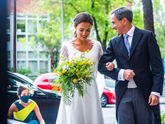La boda de Borja y Irene en Torrelodones, Madrid 20