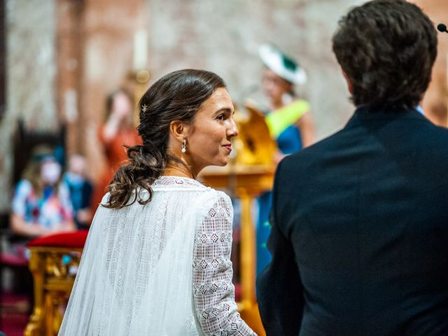 La boda de Borja y Irene en Torrelodones, Madrid 28