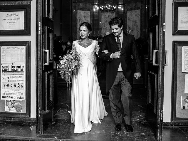 La boda de Borja y Irene en Torrelodones, Madrid 39