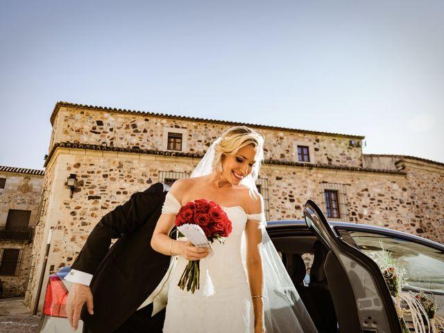 La boda de Roberto y Diana en Cáceres, Cáceres 31