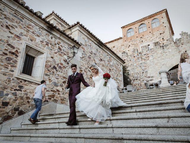 La boda de Roberto y Diana en Cáceres, Cáceres 59