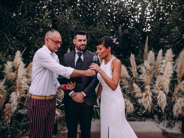 La boda de Adrián y Laura en Valencia, Valencia 42