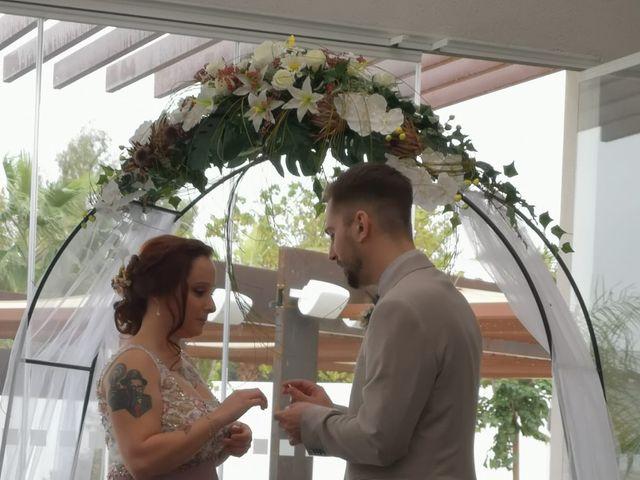 La boda de Carlos y Evelyn en Casar De Caceres, Cáceres 4