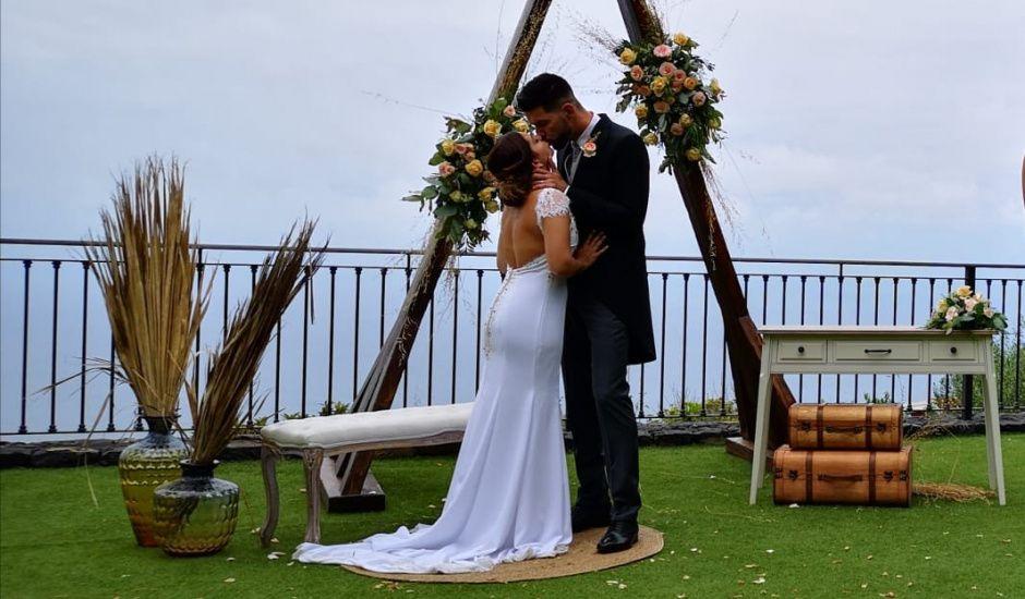 La boda de Lis y Adri en Santa Cruz De Tenerife, Santa Cruz de Tenerife