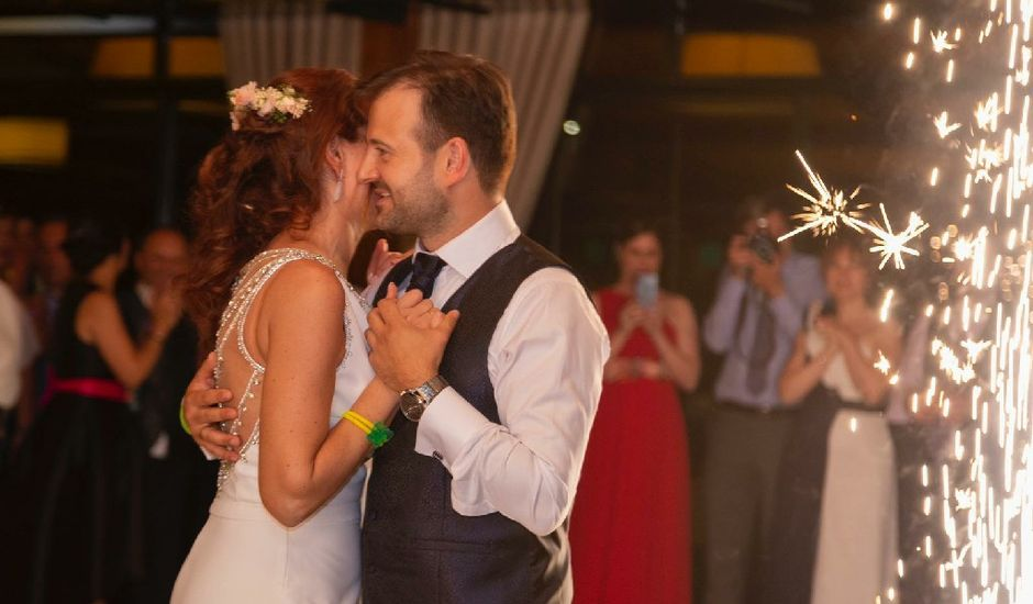 La boda de David y Monica en Cambre, A Coruña