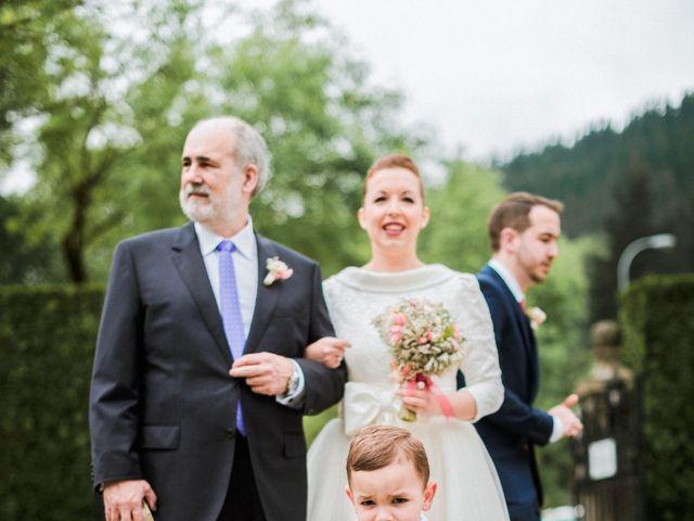 La boda de Aitor y María en Bilbao, Vizcaya 41