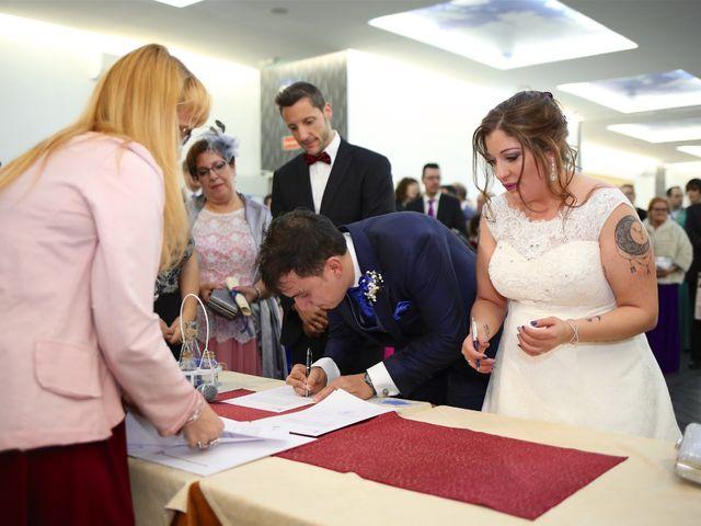 La boda de David  y Bea  en Arganda Del Rey, Madrid 17