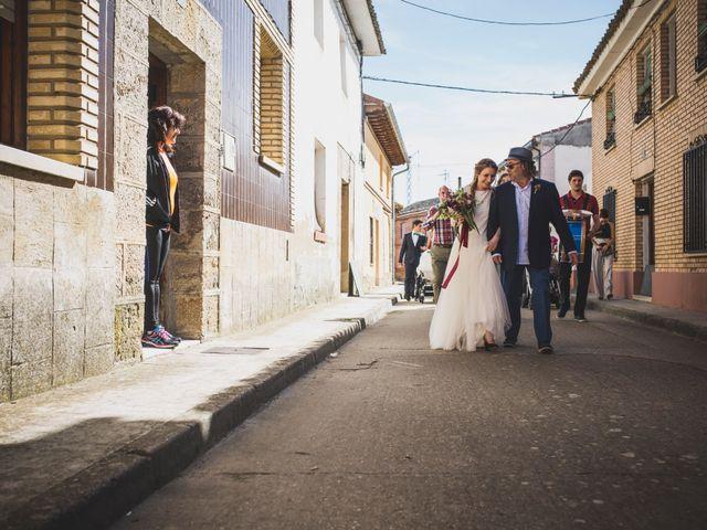 La boda de Adrián y Aroa en Piña De Campos, Palencia 35
