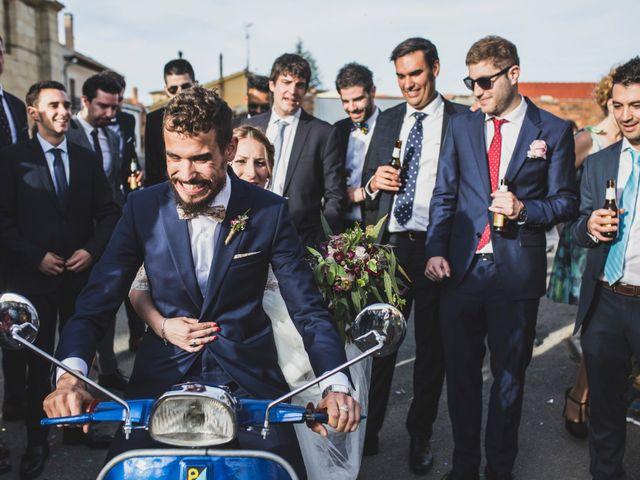 La boda de Adrián y Aroa en Piña De Campos, Palencia 55