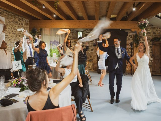 La boda de Jon y Leire en Gordexola, Vizcaya 66