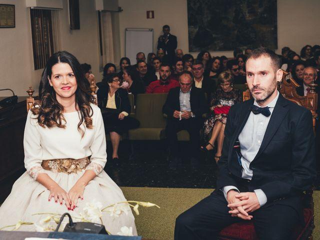 La boda de Berni y Anna en Rafelbunyol/rafelbuñol, Valencia 19