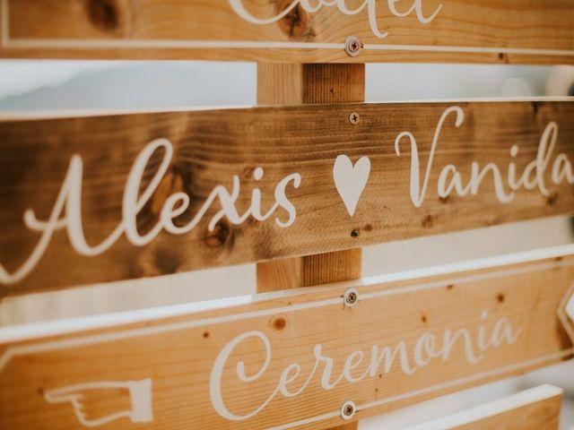La boda de Alexis y Vanida en Arenys De Mar, Barcelona 1