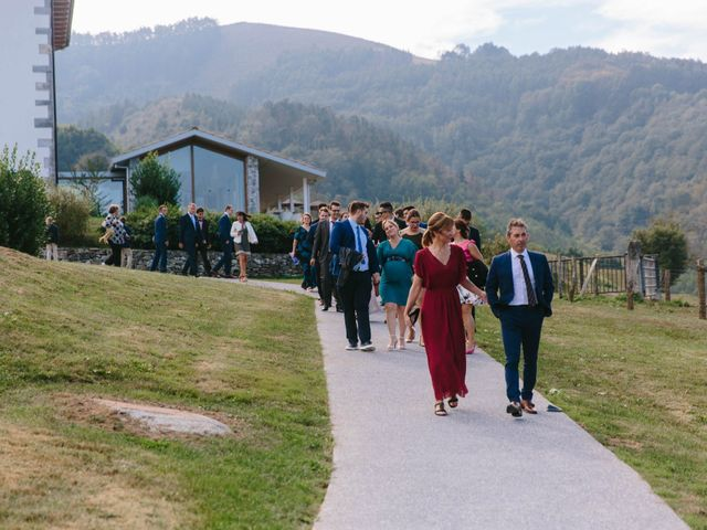La boda de Aitor y Eluska en Yanci/igantzi, Navarra 13