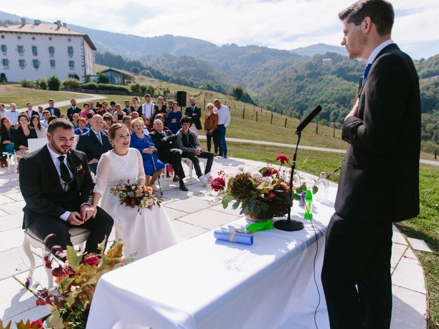 La boda de Aitor y Eluska en Yanci/igantzi, Navarra 31