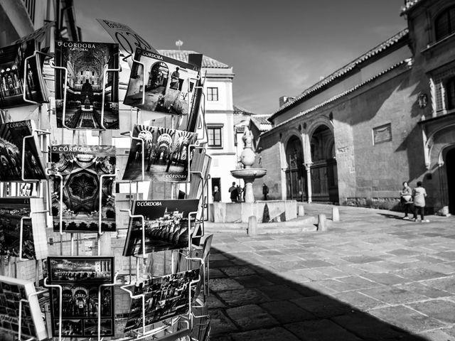 La boda de Valentín y Lola en Córdoba, Córdoba 1