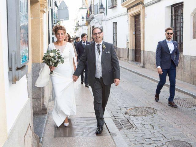 La boda de Valentín y Lola en Córdoba, Córdoba 17