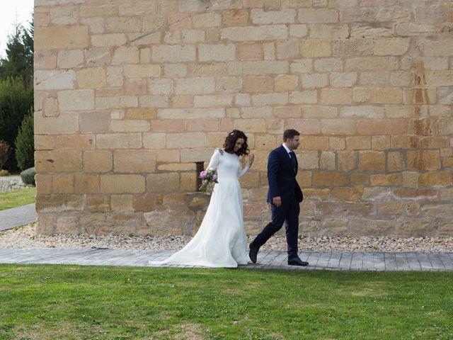 La boda de Jorge y Oiane en Santa Gadea Del Cid, Burgos 64