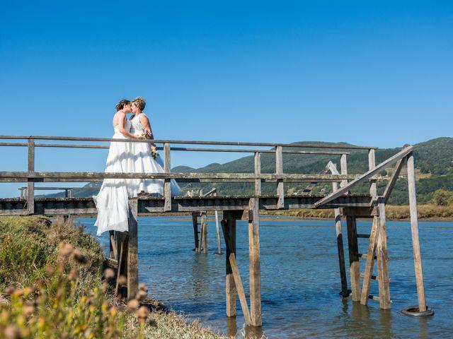 La boda de Ainara y Iraia en Forua, Vizcaya 1