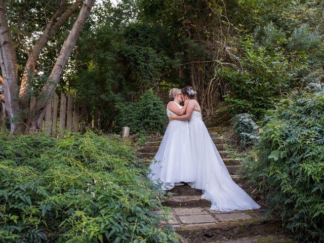 La boda de Ainara y Iraia en Forua, Vizcaya 17