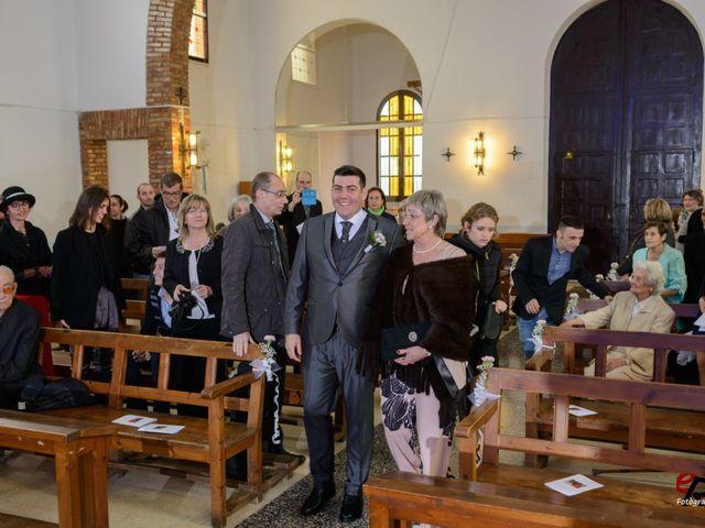 La boda de Daniel y Blanca en Lleida, Lleida 17