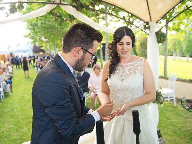 La boda de Félix y Aldara en Medina Del Campo, Valladolid 17