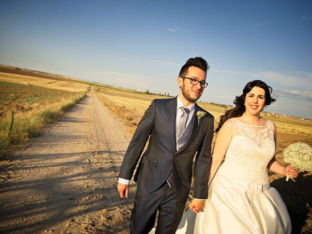 La boda de Félix y Aldara en Medina Del Campo, Valladolid 27