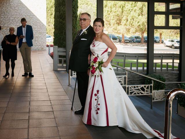 La boda de Omar y Ana Isabel en Fuenmayor, La Rioja 10