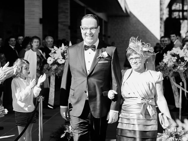 La boda de Omar y Ana Isabel en Fuenmayor, La Rioja 11