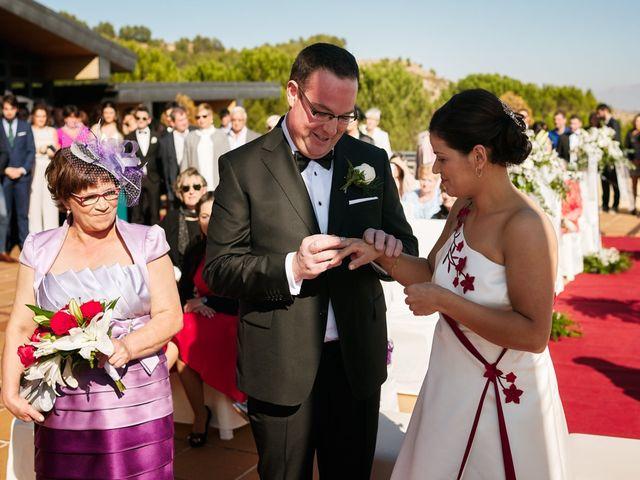 La boda de Omar y Ana Isabel en Fuenmayor, La Rioja 13