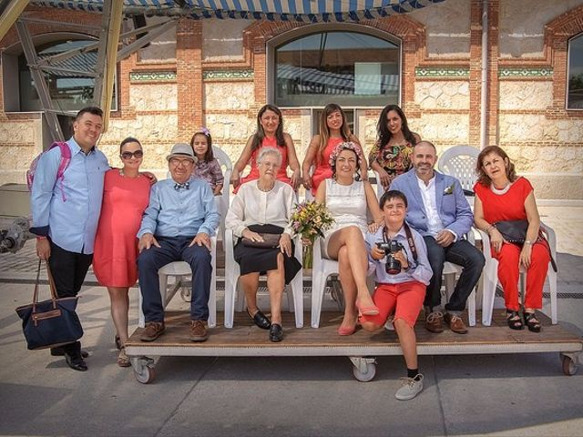 La boda de Luis y Luza en Fresnedilla De La Oliva, Madrid 15
