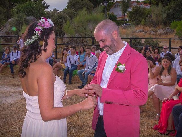 La boda de Luis y Luza en Fresnedilla De La Oliva, Madrid 47