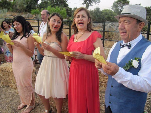 La boda de Luis y Luza en Fresnedilla De La Oliva, Madrid 50