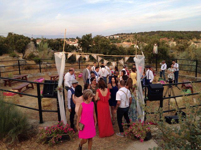 La boda de Luis y Luza en Fresnedilla De La Oliva, Madrid 52