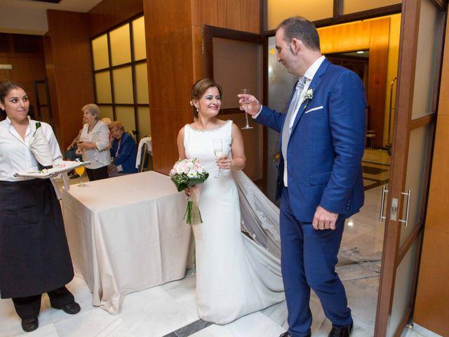 La boda de Joaquín y Laura en Córdoba, Córdoba 35
