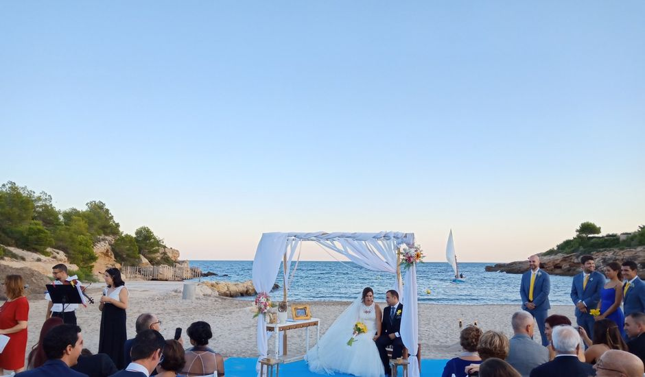 La boda de Kiko y Marina en L' Ametlla De Mar, Tarragona
