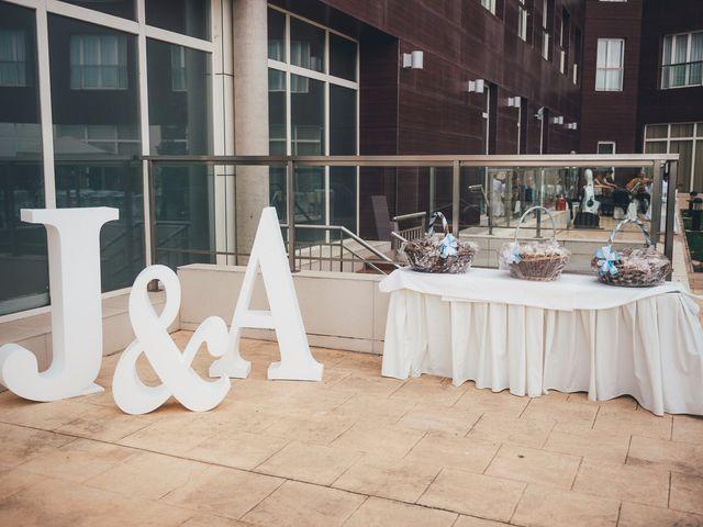 La boda de Javier y Aurora en Albacete, Albacete 24