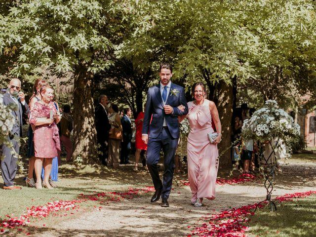 La boda de Alex y Lara en Oruña De Pielagos, Cantabria 24