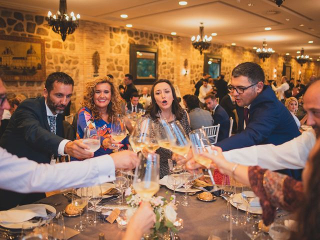 La boda de Roberto y Holly en Toledo, Toledo 353