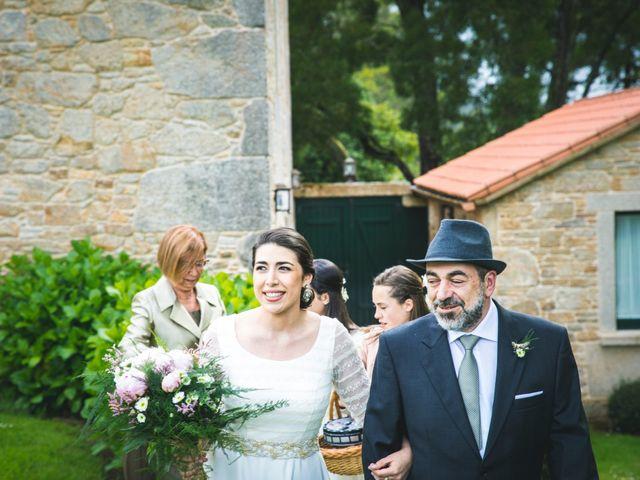 La boda de Dadi y Mariña en Laxe, A Coruña 15