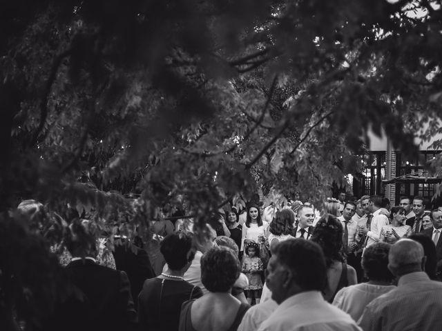 La boda de Victor y Marián en Casas De Los Pinos, Cuenca 23