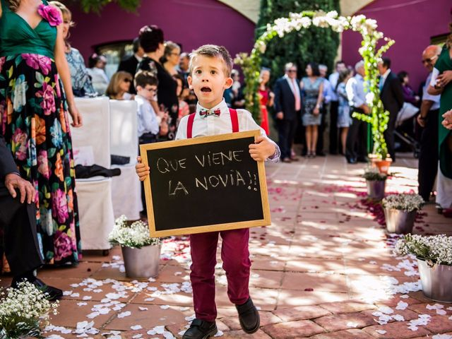 La boda de Victor y Marián en Casas De Los Pinos, Cuenca 27