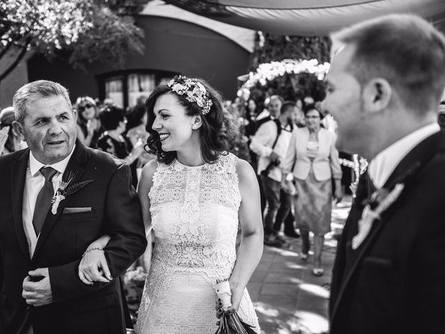 La boda de Victor y Marián en Casas De Los Pinos, Cuenca 28