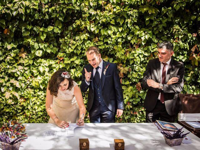 La boda de Victor y Marián en Casas De Los Pinos, Cuenca 31