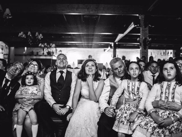 La boda de Victor y Marián en Casas De Los Pinos, Cuenca 36