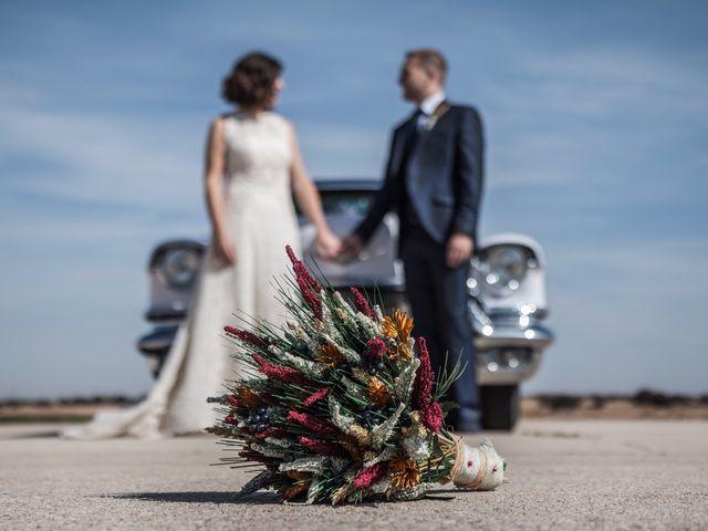 La boda de Victor y Marián en Casas De Los Pinos, Cuenca 54