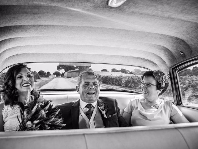 La boda de Victor y Marián en Casas De Los Pinos, Cuenca 65