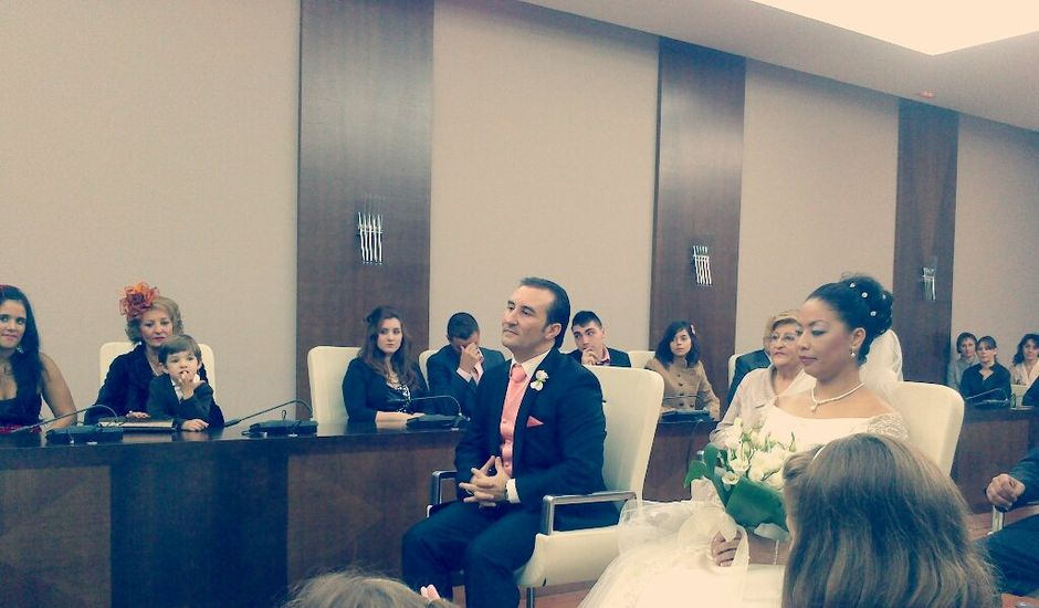 La boda de Nadia y Juan Carlos en Don Benito, Badajoz