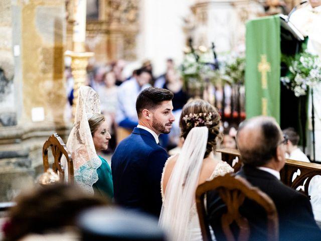 La boda de Miguel y Elena en Llerena, Badajoz 27
