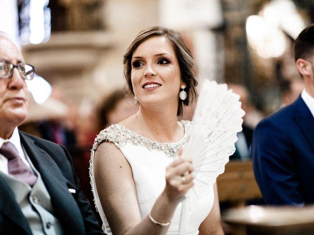 La boda de Miguel y Elena en Llerena, Badajoz 30